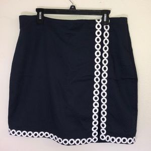 Talbots size 16 navy skirt with white details